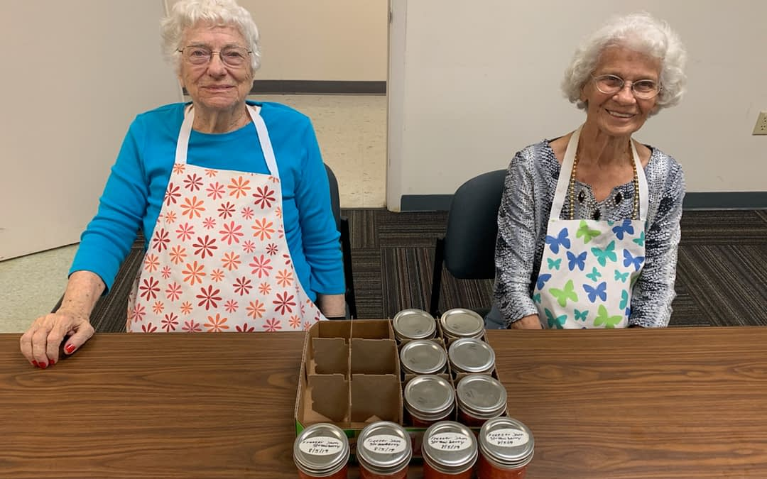 Morning Pointe Residents Attend UT Extension Canning Class