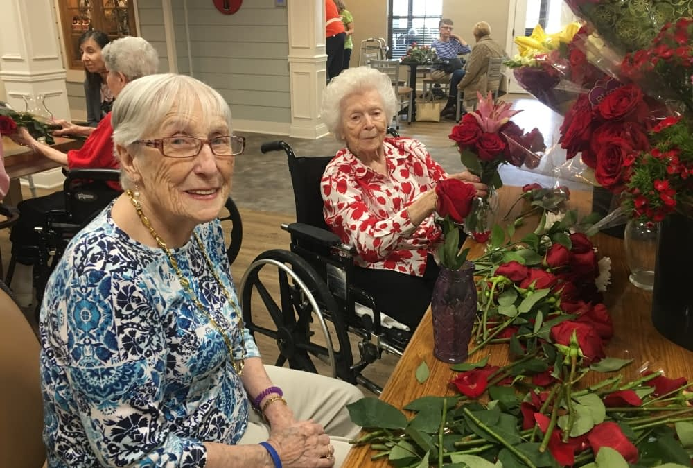 The Petal Project Engages Morning Pointe Residents with Community