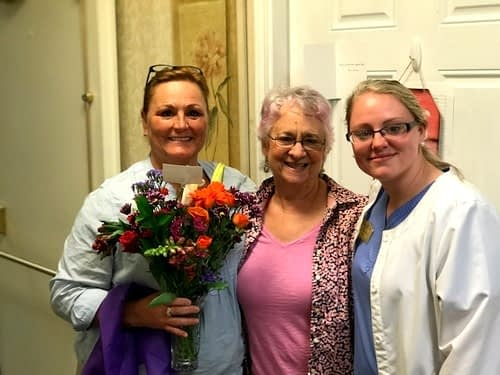 Morning Pointe Family Members Brings Flowers for Nurses
