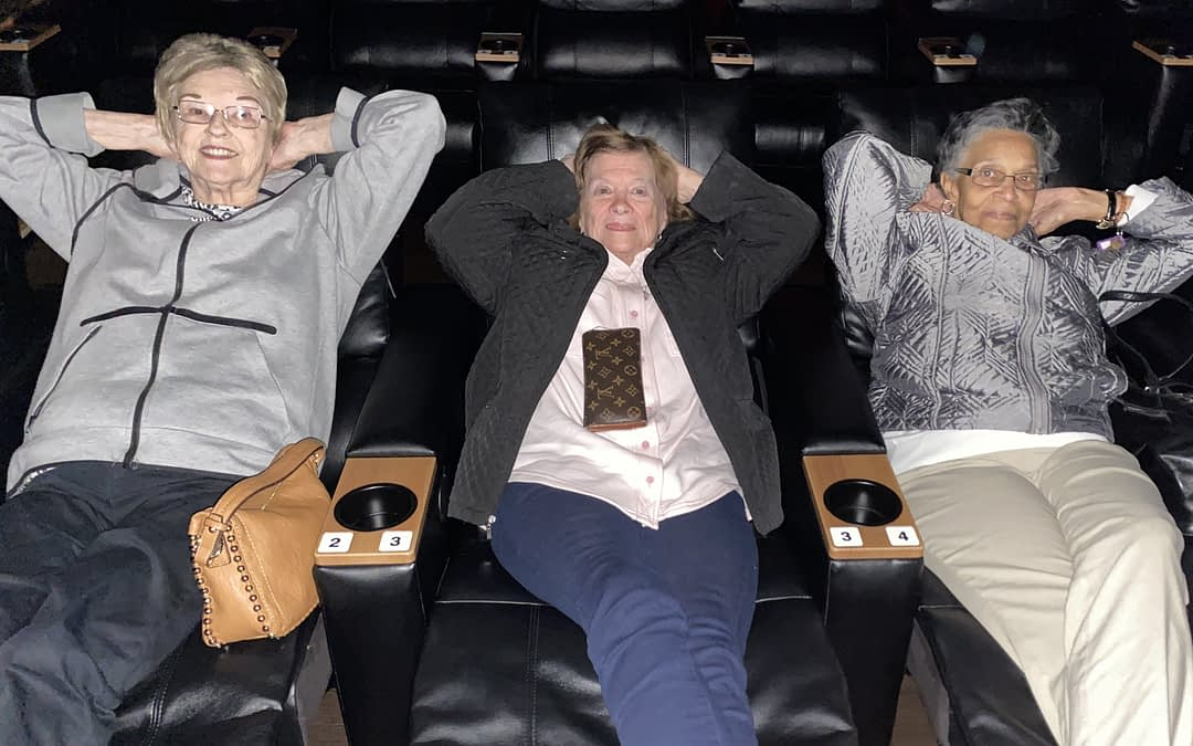 Morning Pointe Residents Enjoy Movie Theater Outing