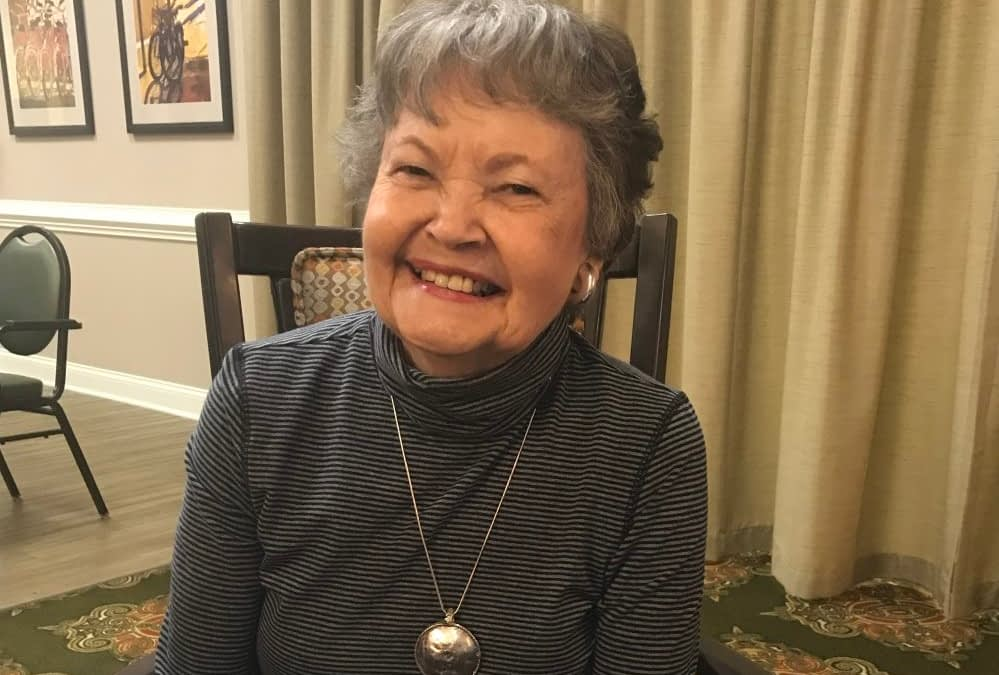 Morning Pointe Residents Receive Makeovers in Honor of Gorgeous Grandma Day