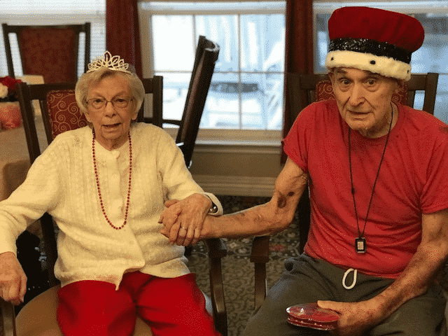"""Morning Pointe Residents Celebrate """"Fat Tuesday"""" with Food and Fun"""