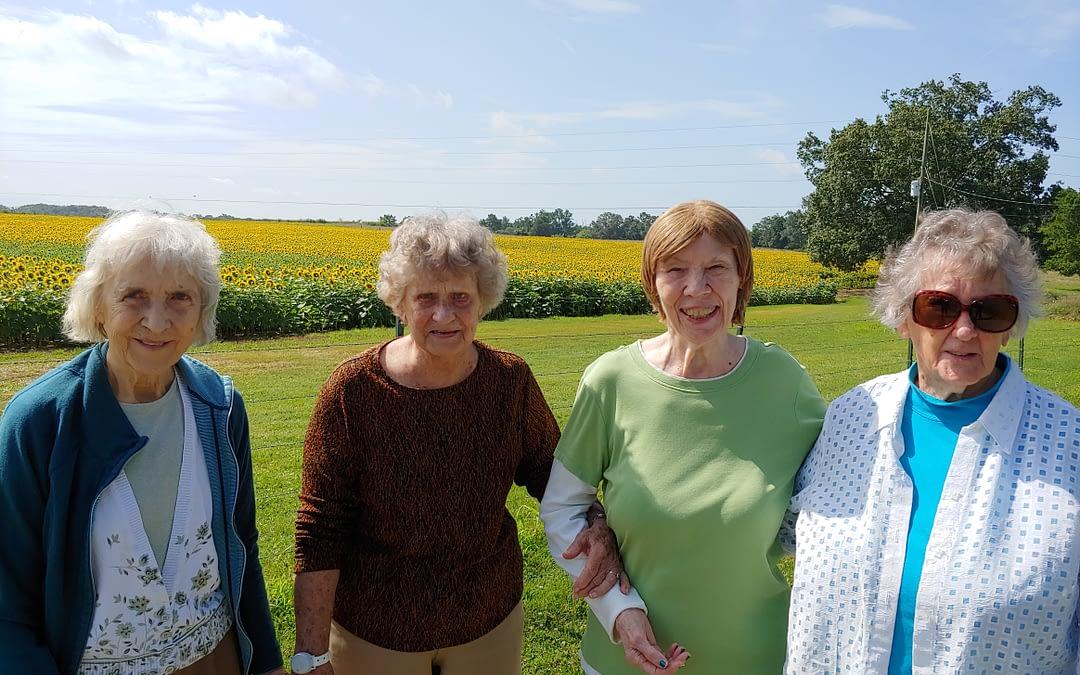 Morning Pointe Residents Visit Conley's Family Sunflower Farm