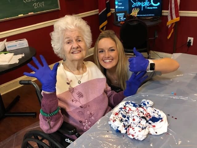 Morning Pointe Residents Participate in Independence Day-Themed Art Therapy