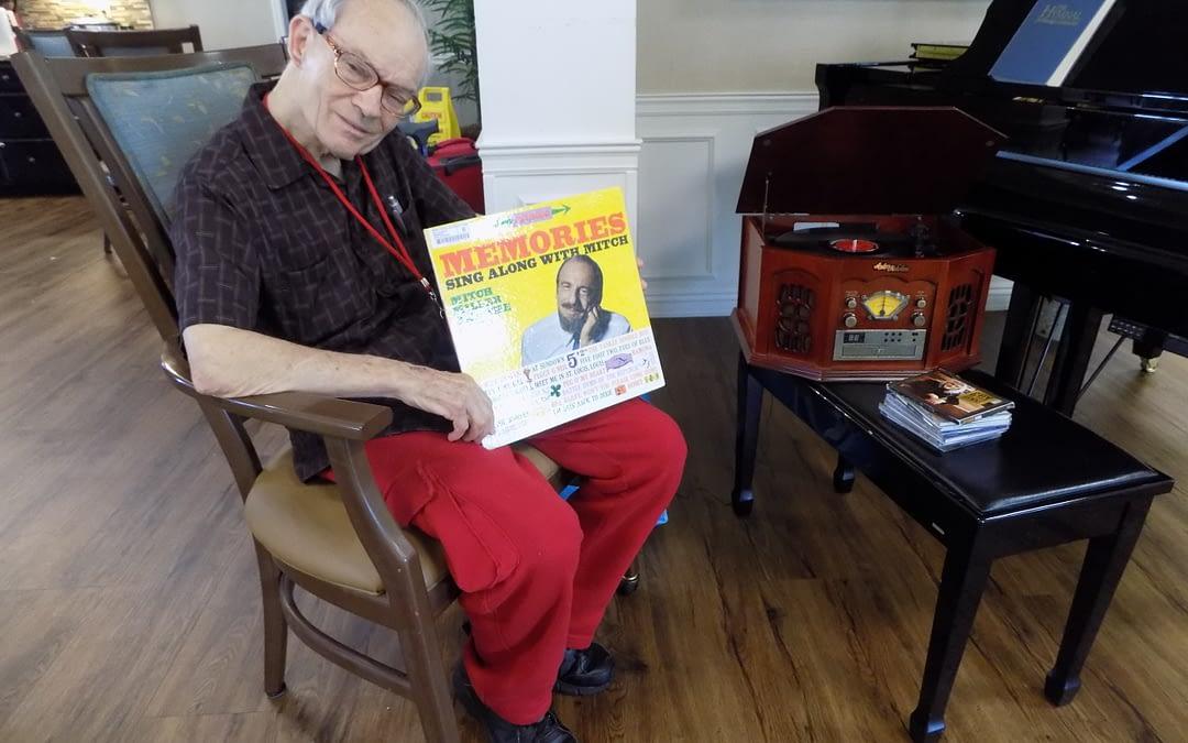 Morning Pointe Residents Enjoy Memories on Vinyl