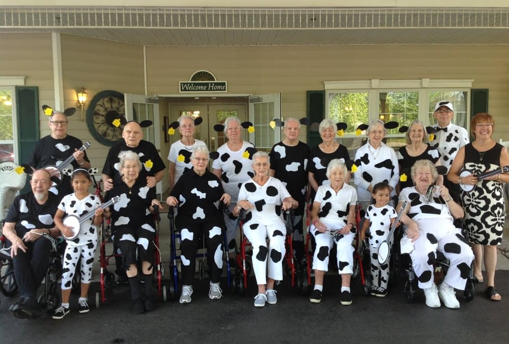 Morning Pointe Residents Celebrate Chick-fil-A Cow Appreciation Day