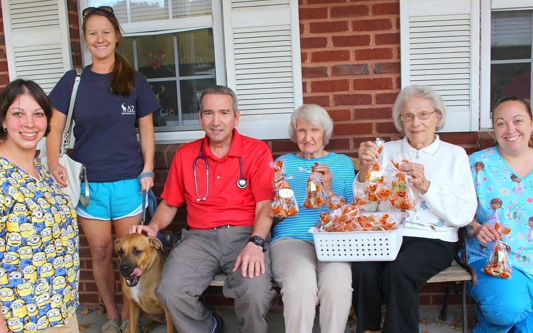 Morning Pointe Brings Seasonal Snacks to Ooltewah Animal Clinic