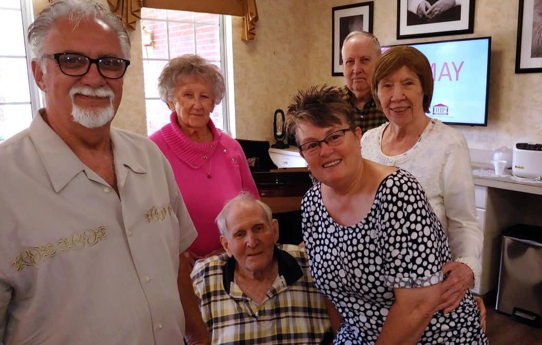 Morning Pointe Volunteer Croons for Residents