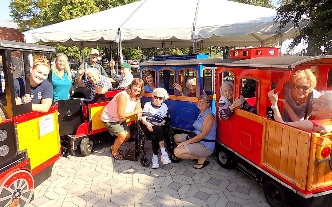 Morning Pointe Takes Trolley Tour at Chattanooga Zoo