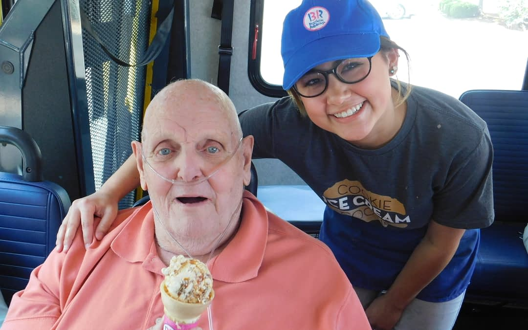 """Morning Pointe Senior Gives """"Scoop"""" on Ice Cream Career"""