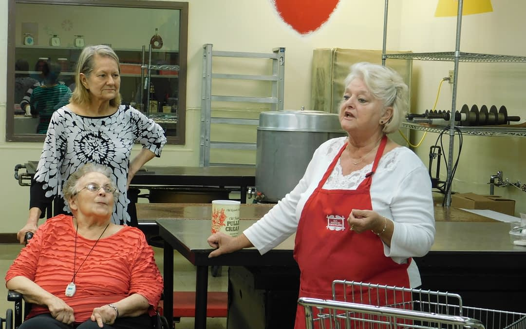 "Morning Pointe Seniors Savor ""Old Kentucky Chocolates"" Tour"