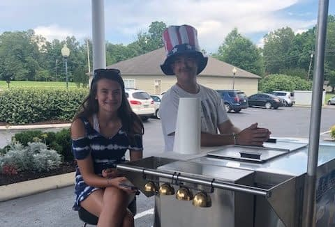 Volunteers Help Morning Pointe Residents Celebrate Summer with Ice Cream