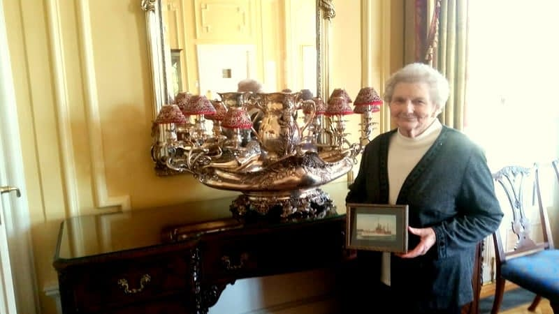 Morning Pointe Residents Take in History during Governor's Mansion Tour
