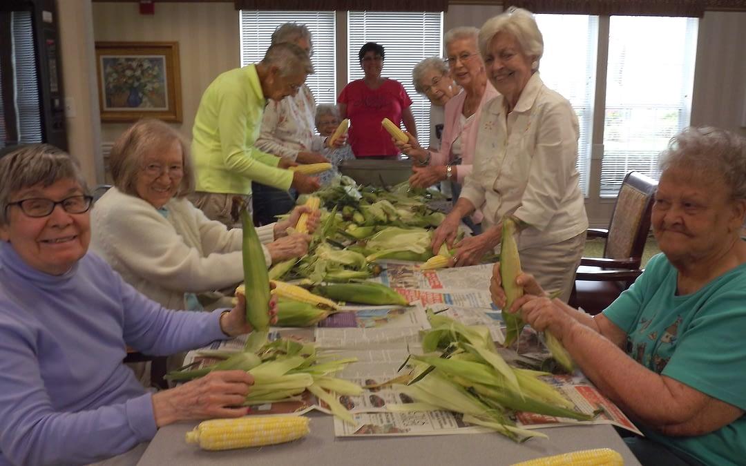 Morning Pointe Seniors Enjoy Local, Farm-Fresh Fare