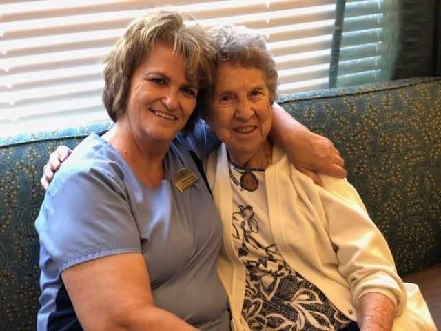 """Morning Pointe Lead Resident Assistant Receives """"Exceeding Expectations"""" Award"""