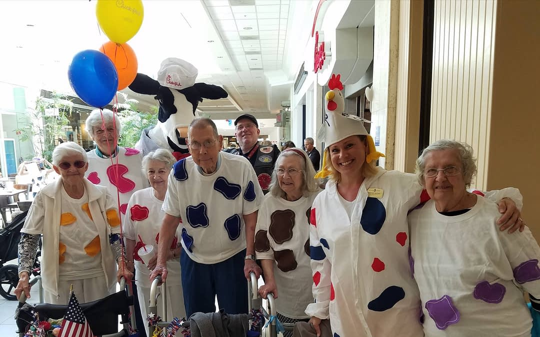 "Morning Pointe Seniors Celebrate ""Cow Appreciation Day"""