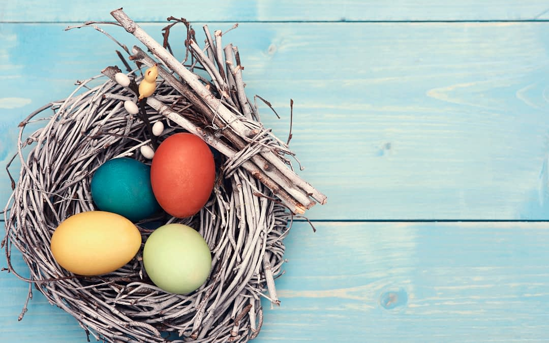 Easter EGG-stravaganza at Morning Pointe of Russell