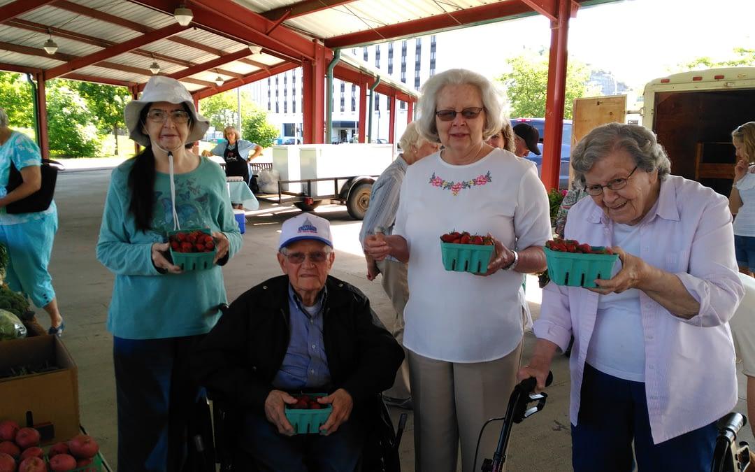 Morning Pointe Seniors Savor Farmers Market Strawberries