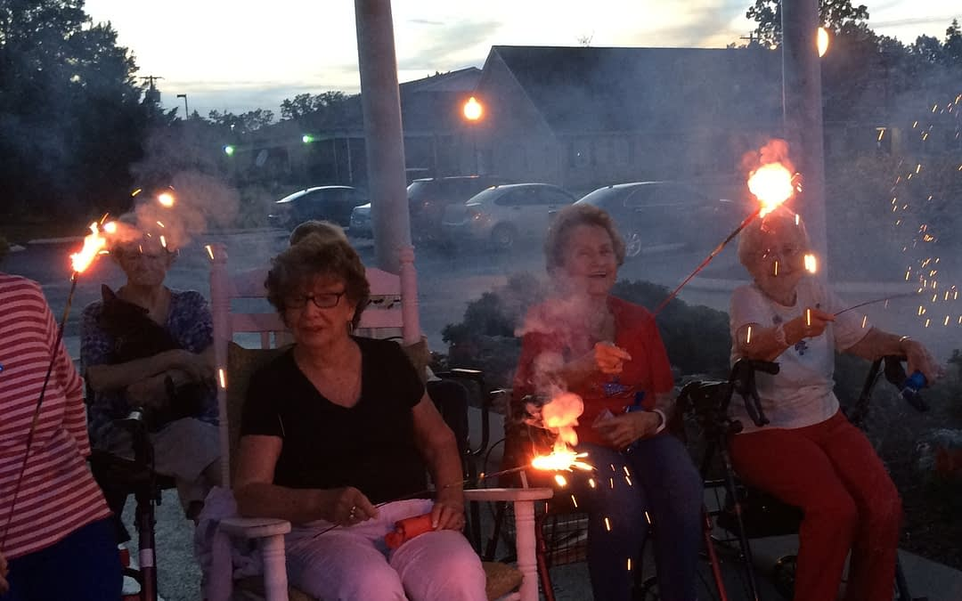 Morning Pointe Seniors Celebrate 4th of July