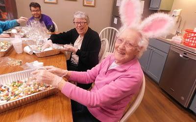 Morning Pointe Residents Prepare for Community Easter Egg Hunt