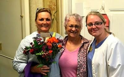 Morning Pointe Family Members Brings Flowers for Nurses