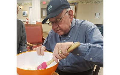 Craft Activities Encourage Morning Pointe Residents' Creative Expression
