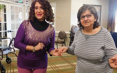 Morning Pointe Volunteer Enjoys Dancing with Residents