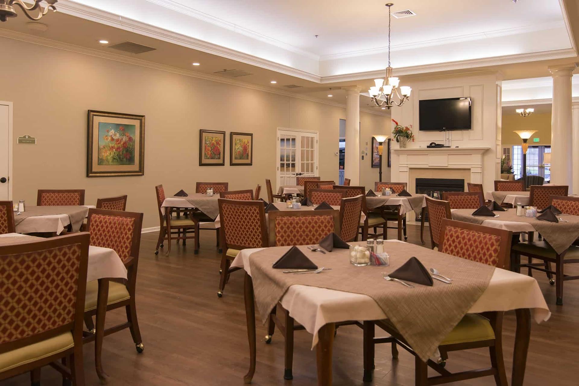 Clinton-Dining-Room-2