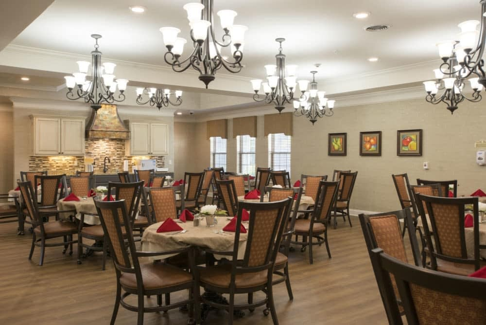 Louisville-Lantern-Dining-Room