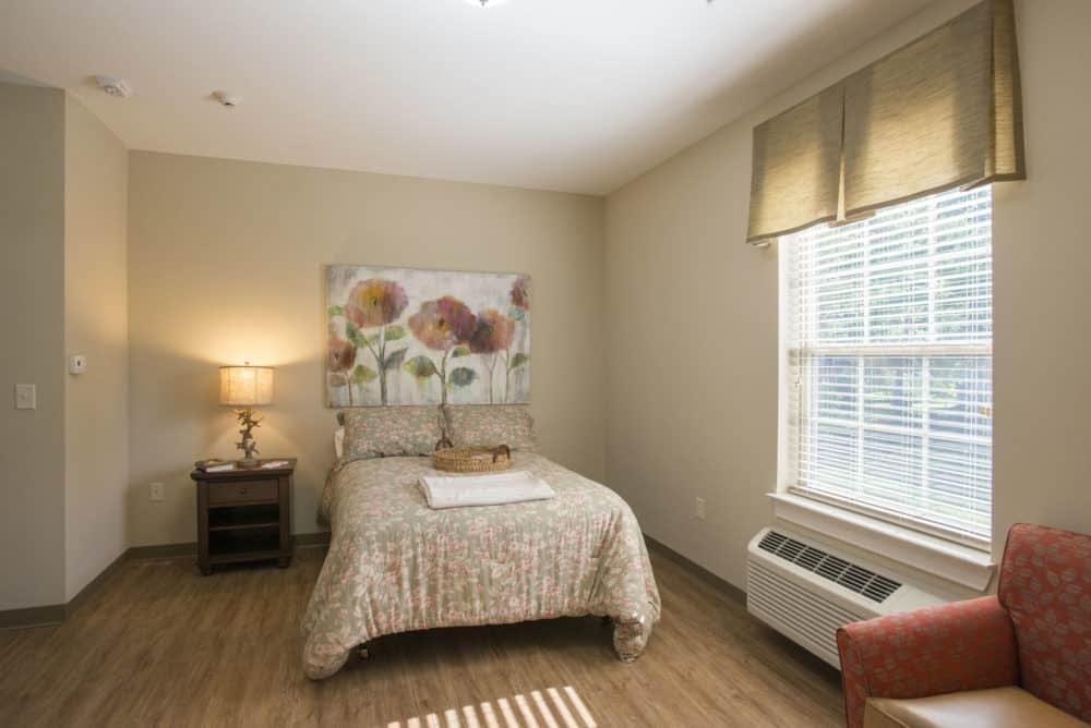 Louisville-Lantern-Resident-Room
